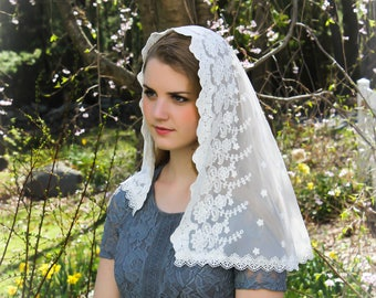Evintage Veils~ Our Lady of the Lily Cream White Embroidered Lace Chapel Veil Mantilla D Shape Latin Mass