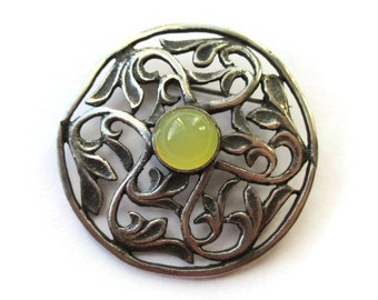 1920s Scottish disc brooch, lemon yellow agate pin, Celtic pierced scrolled foliage, Alexander Ritchie design, MacKinnon's Cross Iona, #964