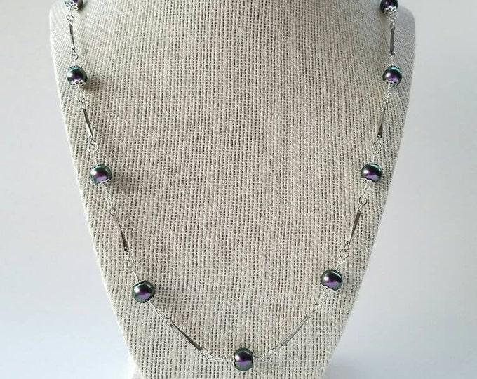 Purple Pearl Necklace Violet/Iridescent Purple necklace/Purple pearl jewelry/lilac necklace/Purple Swarovski necklace/iridescent necklace