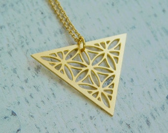 Gold Triangle Necklace, Triangular necklace, Dainty Jewellery, Geometric necklace, Sacred Geometry, Handcrafted Jewelry, triangle pendant