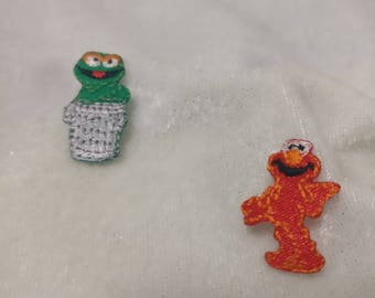 Wholesale Lot   20pcs  tiny cartoon puppy Elmo Cookie monster    embroidered iron on patch 1x2.5cm