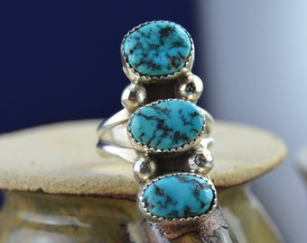 Navajo sterling silver and kingman turquoise ring with three free form stones size 10.25