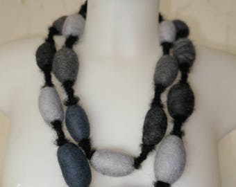 Felt necklace made from extrafine Merino Wool