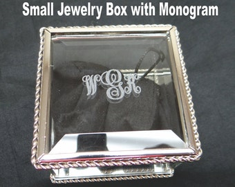Personalized Glass Jewelry Box, Bridal Party, Flower Girl, Bridesmaids, Maid of Honor, Quinceañera, Christmas, Sorority, Thank You,