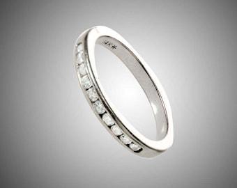 14k white gold & 10 diamonds band