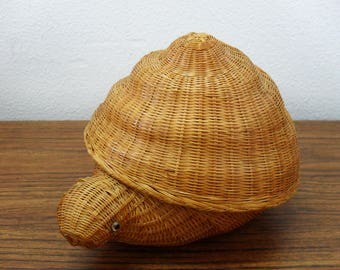 Vintage Woven Bamboo Snail Basket Box With Cover