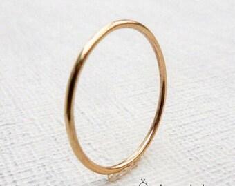 Gold Wedding Band. Gold wedding ring. Wedding band. Womans wedding band. Mens wedding band. Wedding band. Thin wedding band. Delicate band