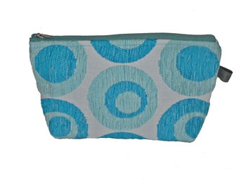 Blue white cosmetic bag, retro style Cosmetic bag in ocean blue, light blue, white. Culture bag, beach accessoire, retro pouch, Holiday bag