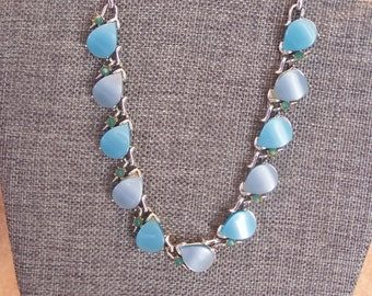 Vintage sky blue theremoset necklace