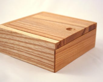 Wooden Jewelry Box / Keepsake box / Jewelry storage box. Jewelry organizer.