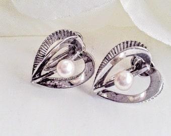 Sterling Silver Heart Earrings, Pearl Earrings,  For Her, Sweetheart Earrings, Sterling Silver Heart Earrings, Vintage Heart Earrings
