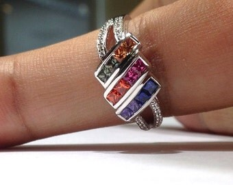 1.25 Carats Genuine Rainbow Sapphire Ring set in 925 Sterling Silver