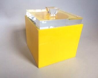 Mid Century Italian Alessandro Albrizzi 1970s Modernist Lucite Ice Bucket