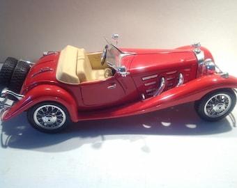 """Model car, """"1936 Mercedes 500 K Roadster""""."""