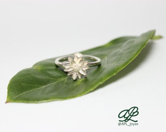 Sterling silver open flower ring water lily/ loto
