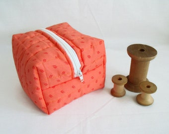 project bag, box pouch, boxy bag, cosmetic bag, craft storage bag, quilted make up bag, zipped toiletry bag, peach