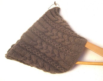 Cosy Cable Cowl knitting pattern - Instant Download PDF
