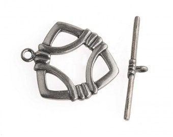 Sterling Silver two part toggle clasp. 25x20mm. Sold individually. b8-348(e)
