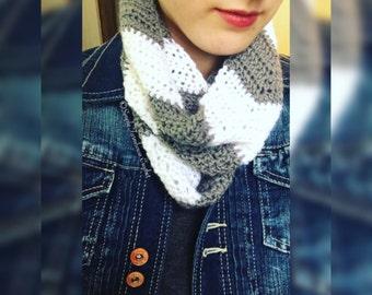 Chevron Scarf, Crochet Chevron Cowl, Infinity Scarf, Crochet Scarf, Crochet Neckwarmer, Warm Winter Scarf, Striped Cowl