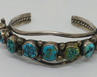Vintage Turquois Cuff Bracelet..Hand Made..SterlingSilver..9 large Turquoise