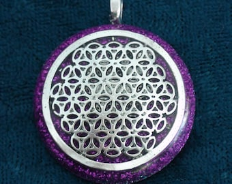 Bright Purple Flower of Life Sahasrara Chakra-Tuning Blue Orgone 30mm Pendant 72 energy harmonizing crystals Quartz black cord silver chain