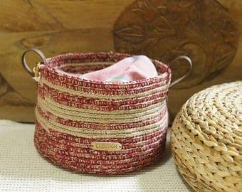 Basket made of hemp, red - natural