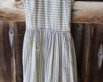 Vintage Early 1940's Striped Cotton Day/House Dress * Landgirl * Size XS