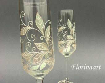 Wedding flutes.Champagne toasting glasses, Pearl wedding glasses, White wedding flutes