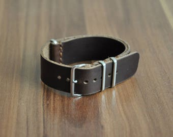 Horween 22mm NATO Strap in Brown Leather, Horween NATO Watchband, Leather nato strap, watch strap, handmade nato, 22mm brown leather strap