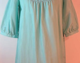 Charming vintage light sea green ruffled mini dress, 1960s. UK size 14, US 12, EU 42.