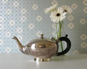 Vintage Teapot with bakelite handle 20s