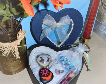 Pagan / Wiccan Altar / Spell Kit - Relationship Witch - Crystals - Prayer Beads - Heart Box