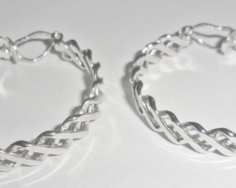 Pretty big vintage silvertone lattice look hoop style clipback earrings
