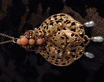 Fine vintage necklace, vermeil pendant, pink Coral and mini water pearls