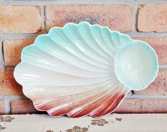 Royal Winton 1950s footed shell plate, serving platter, ideal chip and dip tray