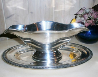 Ercuis Sauceboat of luxurious french silversmith silver - luxury sauce silver ERCUIS 85%
