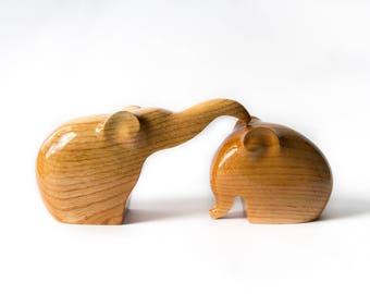 Wooden Elephants Statue, Wooden Elephants Figurine, Wood Carving, Hand Carved, Wooden Statue, Wooden Figurine