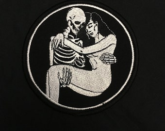 Love and Death Embrace Patch / Lovers / Skeleton Skull Occult Goth Punk Jacket Patch / Embroidered Patch