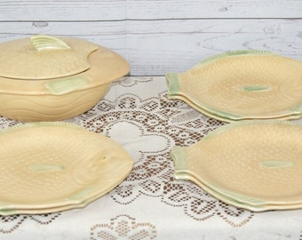 Vintage, Art Deco, Shorter & Son 1930s Apricot and Green Fish Plates with Matching Lidded Tureen or Serving Dish Set