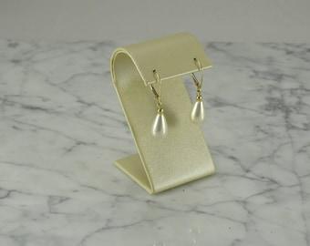 14K Yellow Gold Pearl Tear Drop Earrings (pierced)
