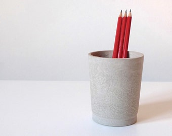 Concrete cup, Minimal concrete pencil holder, Pen cup, Stationery desk accessories, Grey pen holder, Tall round concrete cup, Toothbrush cup