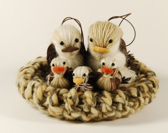 Nest with small birds and chicks in pure wool, Brown, white and beige-crochet-home decoration-ornaments-birds-Handmade