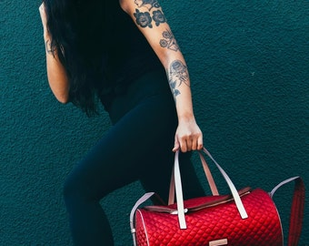 Gym Bag / Red Duffle Bag/ Sports Bag / Duffel Bag/ Women's Oversize Bag / Overnight Bag / Weekend Bag / Travel Bag / Gifts for her / Gift