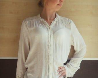 Vintage peasant blouse, boho hippie blouse,white boho top,Folk peasant blouse, Ivory embroidered blouse,elegant blouse, Folk peasant top