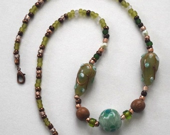 Green and copper glass beaded necklace