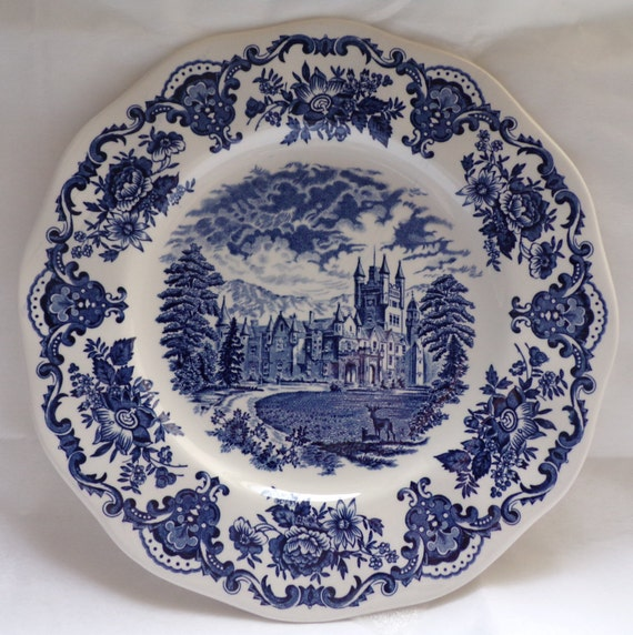 wedgwood royal homes of britain blue white dinner plate or. Black Bedroom Furniture Sets. Home Design Ideas