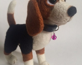 Felted Beagle MADE TO ORDER needle felted Beagle Dog Totem felt sculpture Toy Gift Puppy Felted Puppy sculpture Felted miniature Wool felted