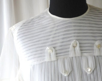 1950s blouse/ 50s white pintuck blouse / pleats & buttons sheer short sleeves  blouse xsmall