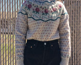 Vintage oatmeal patterned floral wool sweater, size extra small xs