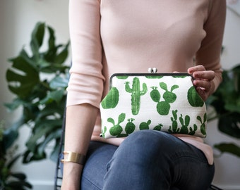 Summer Outdoors Cactus Clutch Purse, Summer Party, Cacti Handbag, Toiletry Bag,Kisslock Metal Frame Purse,Evening Purse,Succulent Clutch Bag